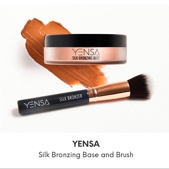 NIB Yensa Beauty Silk Bronzing Base & Brush
